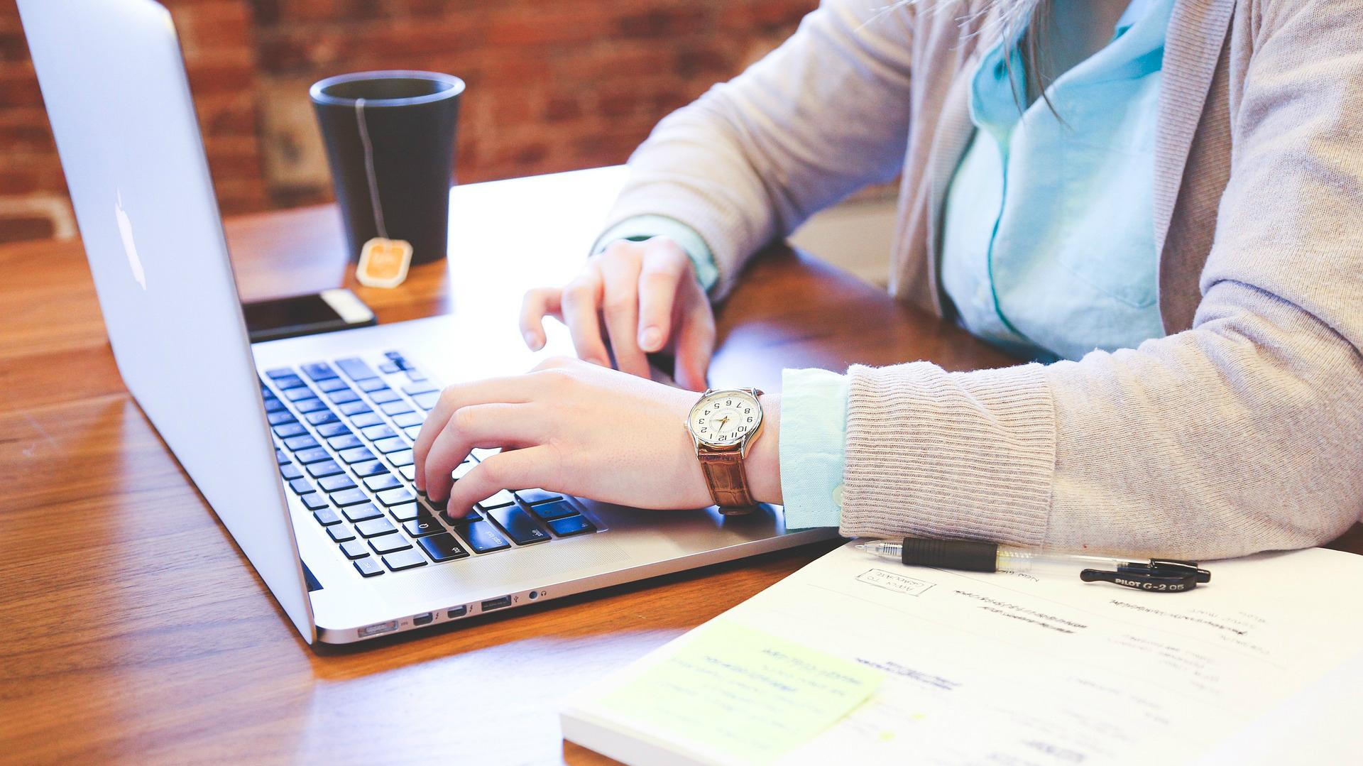 iemācīties nopelnīt tiešsaistē kurš cik nopelna tirdzniecībā
