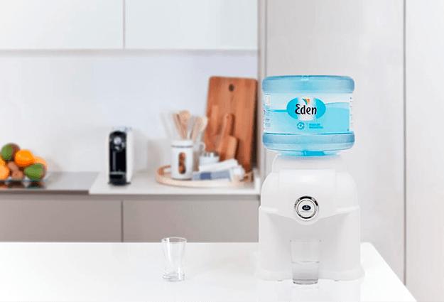 vita tirdzniecības ūdens piegāde