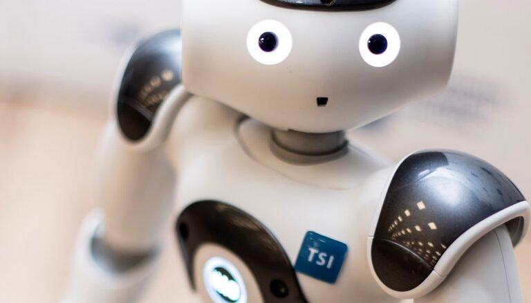 Forex roboti automatizētai tirdzniecībai, pamatojoties uz ATR un MA indikatoriem.
