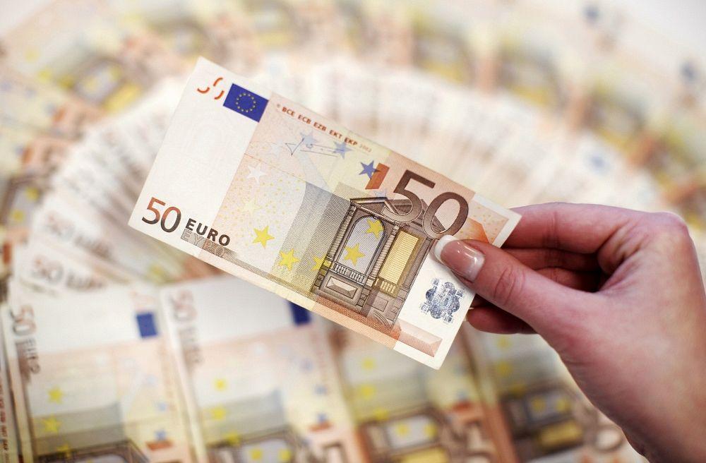 kādā biznesā ieguldīt savu naudu tirdzniecība ar ziņām eiro dolārs