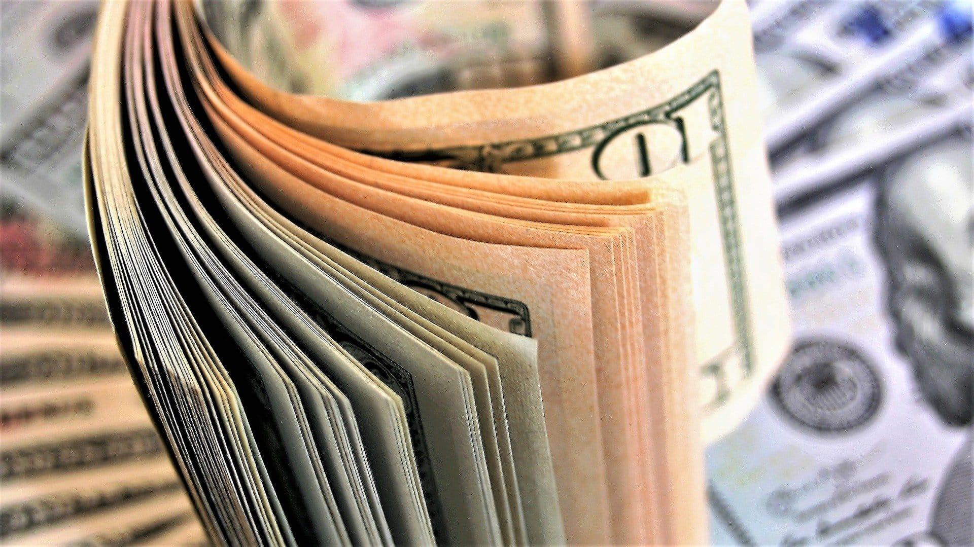 tiešsaistes cfd tirdzniecība xtrade kā ieguldīt tehnoloģijā aiz bitcoin mainās nauda
