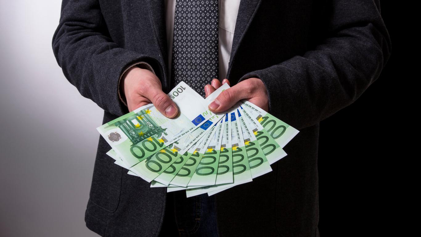 indikatora izmantošana bināro opciju izmantošanai ienākumi internetā ar minimāliem ieguldījumiem