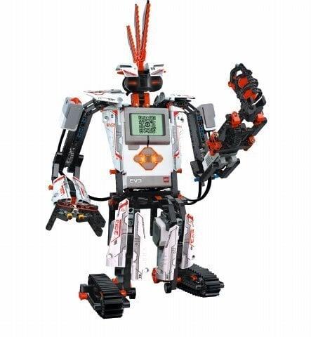 Nevajag paļauties, ka robots darba tirgū pastums malā kādu citu, nevis tevi pašu