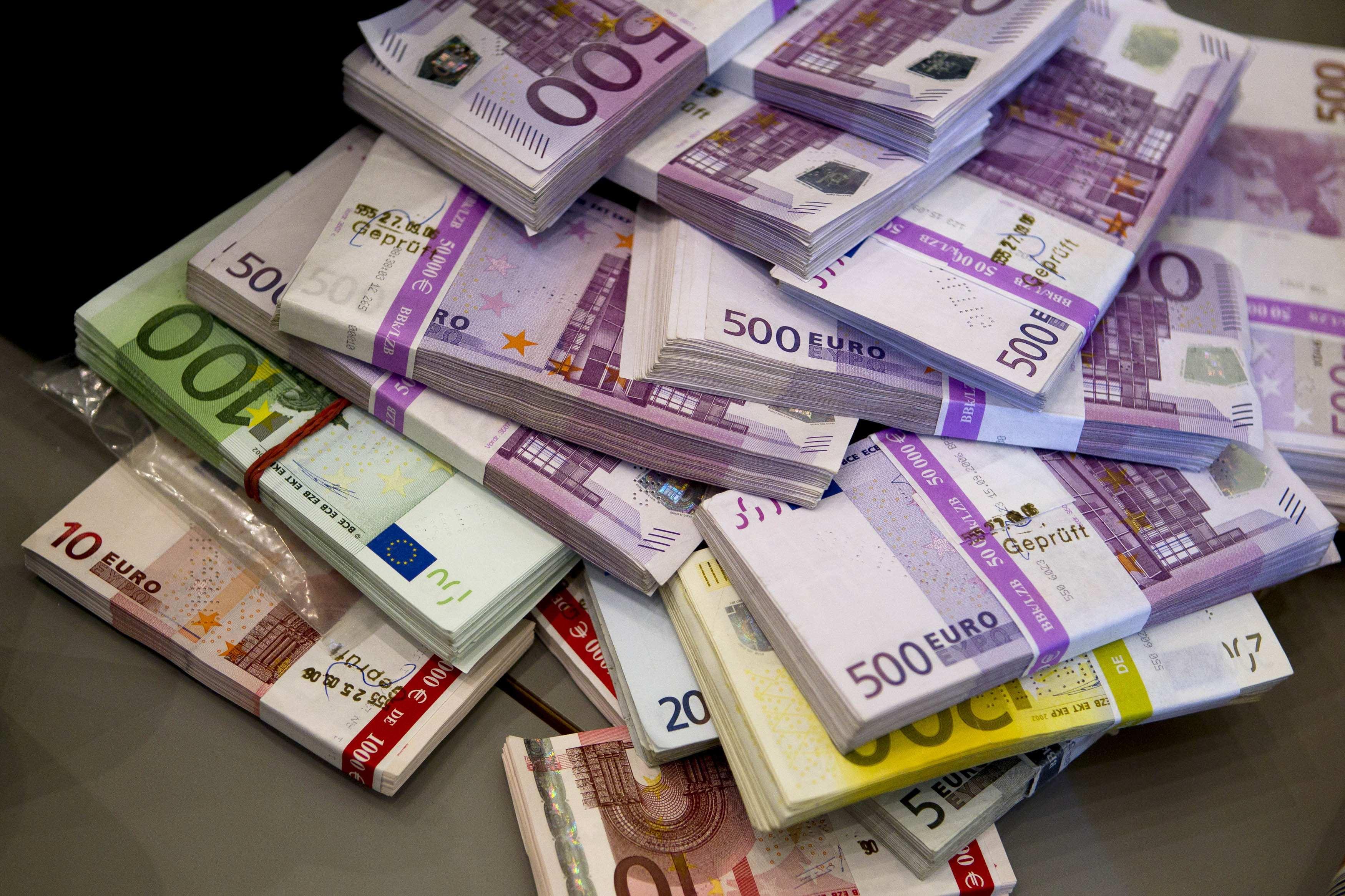 cik daudz naudas nopelnīji ar eiro bitcoin binārās opcijas