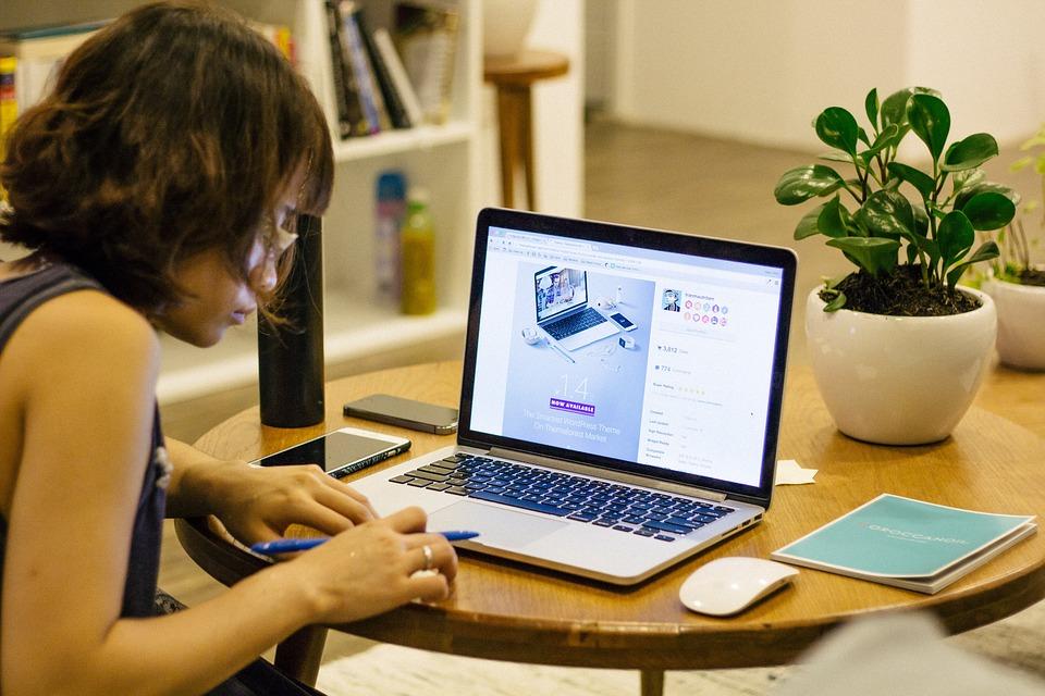Kā es varu pelnīt naudu no sava datora mājās. Kā nopelnīt naudu internetā? - tema-mode.lv